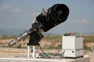 Instrument contrôlé à distance installé à l'observatoire astronomique Sirene