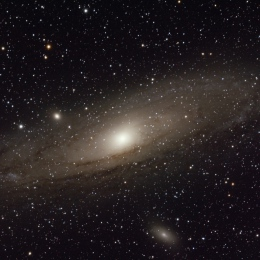 M 31 + M 32 + M 110, la galaxie d'Andromède